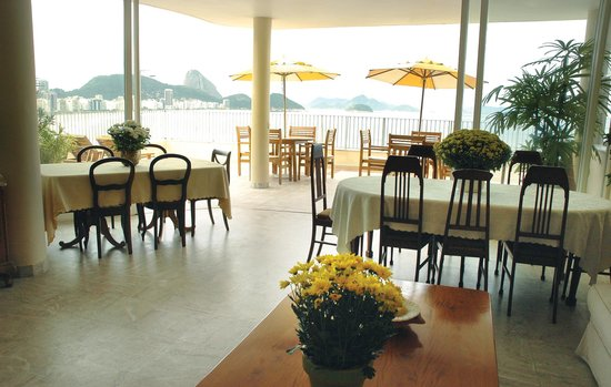 Rio Guest House ( Marta's Guest House): Breakfast lounge and terrace view !
