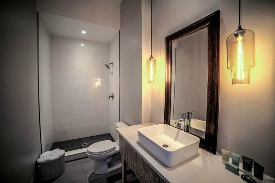 The Harkness Hotel: The Copper bathroom