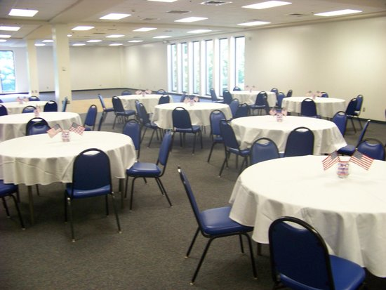 J.E. Broyhill Civic Center: Banquet room