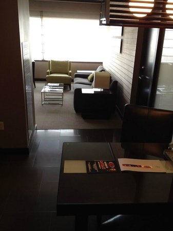 Vdara Hotel & Spa: Sitting area/Entrance view