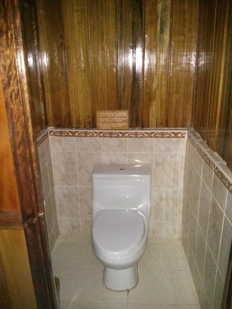 Ecoamaziona Lodge: Toilet