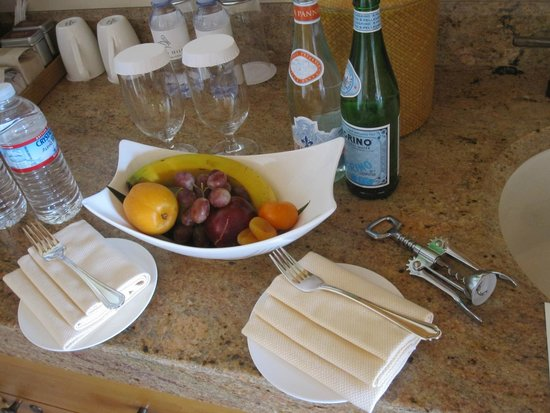The Resort at Pelican Hill: Welcome Basket