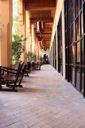 Les Jardins de La Koutoubia: couloir du patio
