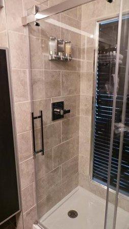 Hotel Le Saint-Germain : Salle de bain