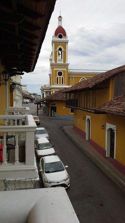 La Gran Francia Hotel y Restaurante: The cathedral from my balcony