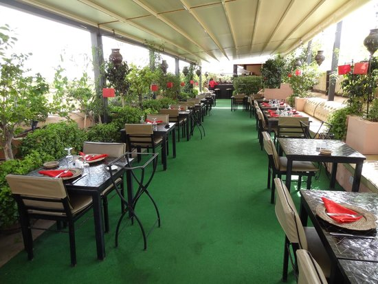 restaurant les jardins de bala terrasse 3 me picture of les jardins de la koutoubia. Black Bedroom Furniture Sets. Home Design Ideas
