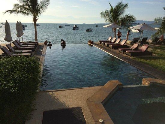 Saboey Resort and Villas : Pool area