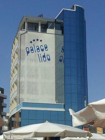 Club Family Hotel Palace Lido: VISTO DALLA SPIAGGIA