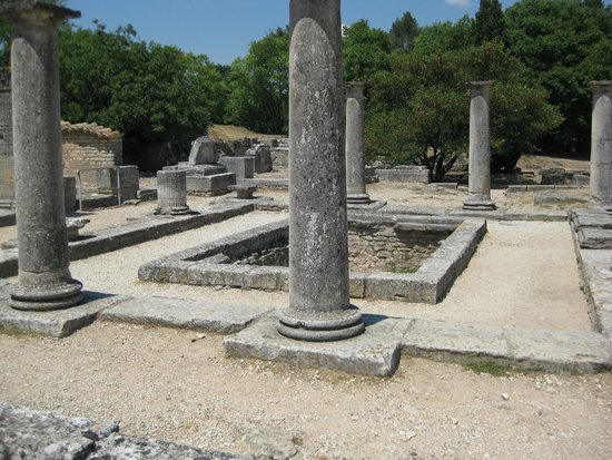 Site archéologique de Glanum : The house with antae at Glanum