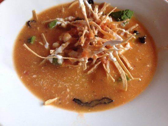 Layla's Restaurante: Azteca Soup