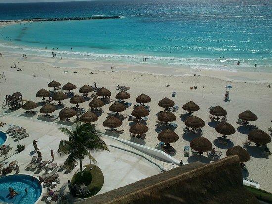 Krystal Cancun: Vista do quarto Club