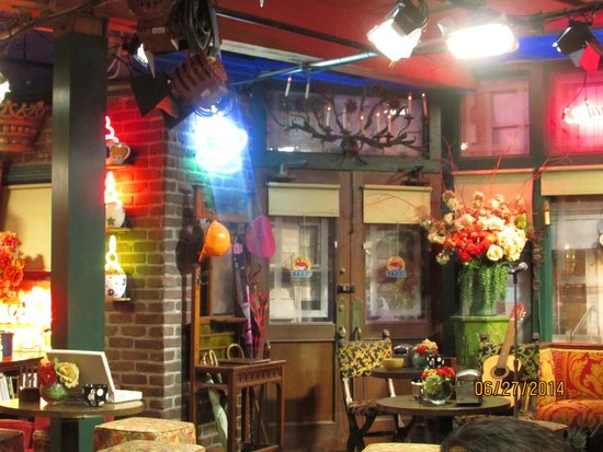Warner Bros. Studio Tour Hollywood: Central Perk