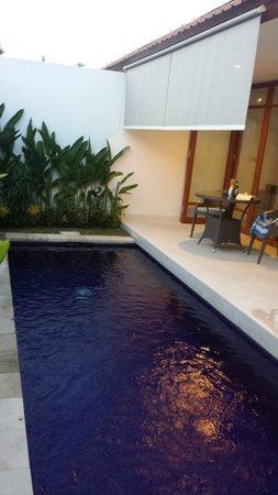 Smart Comfort: Pool