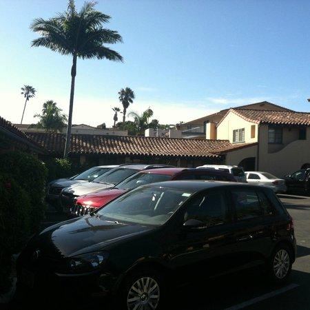 Castillo Inn at the Beach : area de estacionamiento