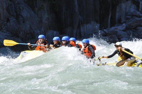 Squamish Rafting Company : Sunwolf Elaho River trip July 2014