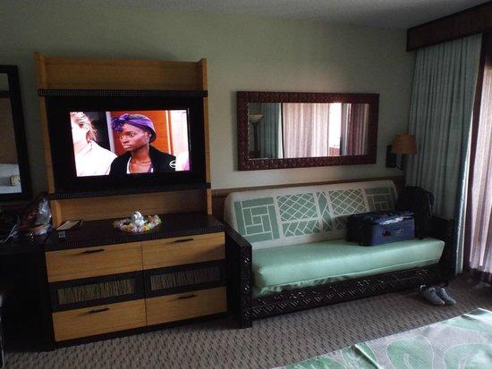 Disney's Polynesian Village Resort: hd tv and sleeper sofa