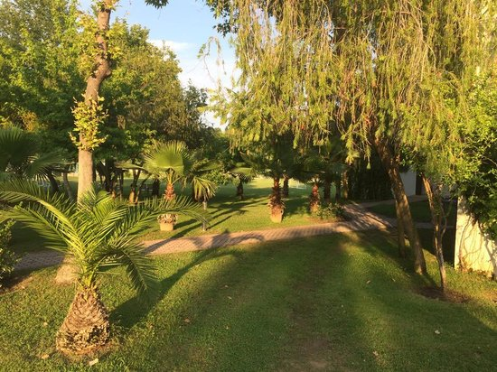 Club Tuana Fethiye: the grounds around the rooms