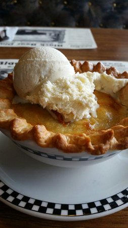 Black Bear Diner - Mt. Shasta : Peach cobbler  By Nina Davis