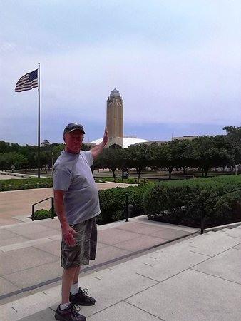 Amon Carter Museum of American Art : The view from the front of the Amon Carter Museum