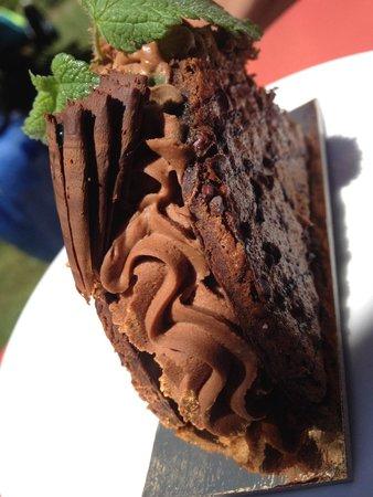Hotel L'Oustalet: Dessert menthe et chocolat, cookies et ganache au chocolat menthe fraîche ..... Grrr