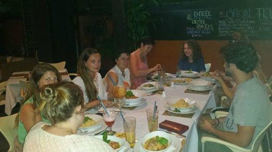 Paddles Restaurant : Projects Abroad Volunteers
