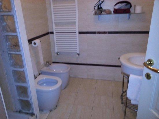 B&B Villa Wilson: Questo è il bagno vero