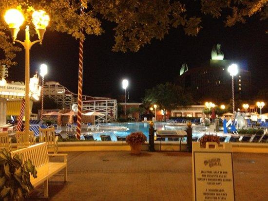 Disney's BoardWalk Villas: The pool at night