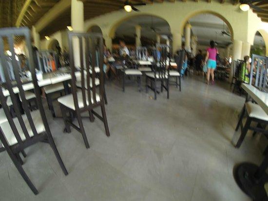 Sandos Playacar Beach Resort : desayunos