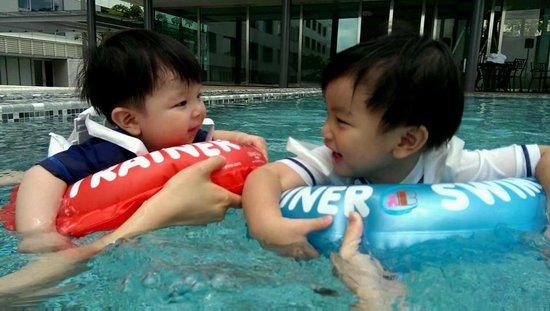 Silks Place Tainan: swimming pool ~