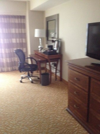 Anchorage Marriott Downtown: standard room