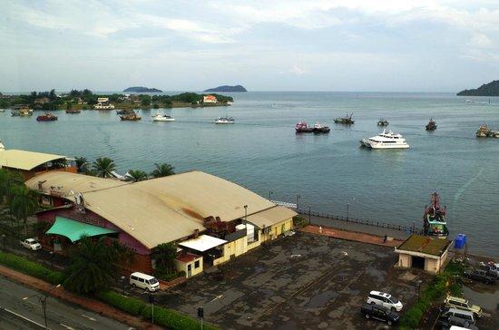 Le Meridien Kota Kinabalu : View of the KK WaterFront