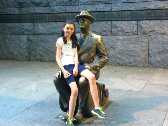 Franklin Delano Roosevelt Memorial: Cozing up with FDR