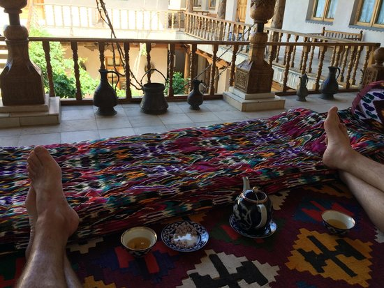Salom Inn: Chilling with Chai