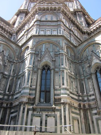 Piazza del Duomo: Duomo walls