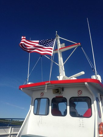 Star Line Mackinac Island Hydro-Jet Ferry: Loved the flag flying high!  Very patriotic.