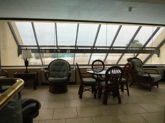 Ocean Creek Resort: south tower rec area