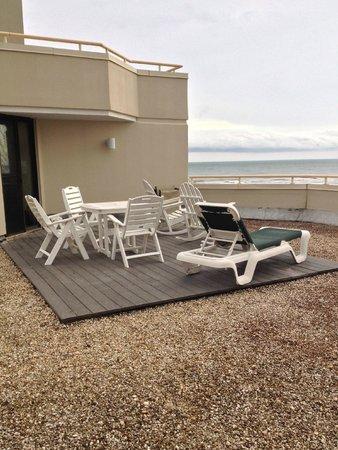 Ocean Creek Resort: rooftop deck