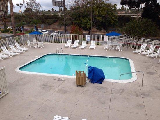 Motel 6 San Ysidro- San Diego- Border: La alberca en buen estado