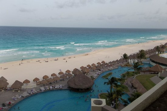 Paradisus Cancun : The view from our balcony/room
