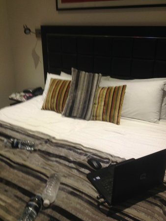 Meriton Serviced Apartments George Street, Parramatta : Bedroom