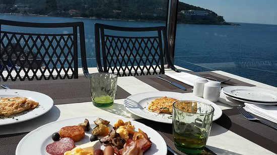 Importanne Resort Dubrovnik: breakfast buffet