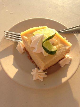 Uncle Ernie's Bayfront Grill: Dessert: Key Lime Pie
