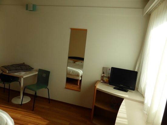 Ibis Berlin Messe : Twin room