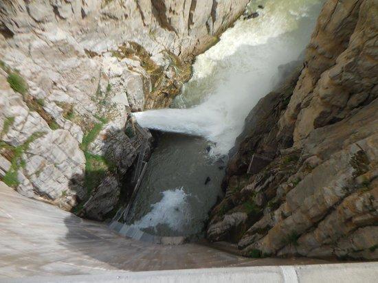Buffalo Bill Dam: View looking down