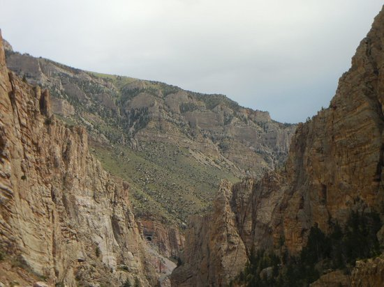 Buffalo Bill Dam: 1 of 3 tunnels to get there