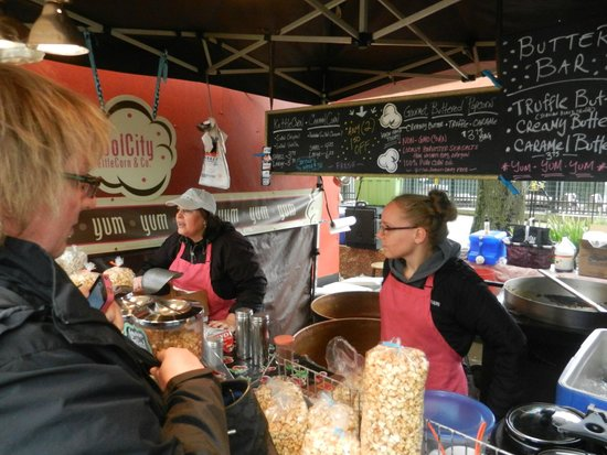 Portland Saturday Market: We like their Popcorn!