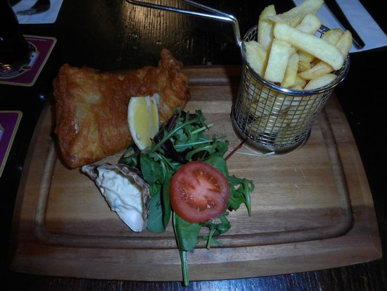 The Strand Bar: Fish and Chips