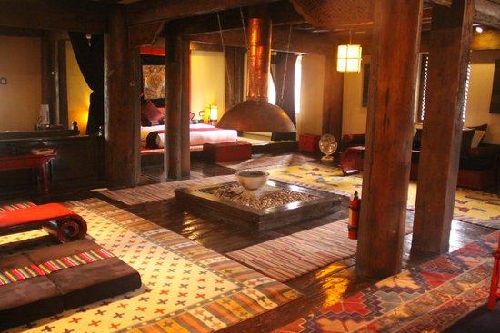 Banyan Tree Ringha: open style lounge bedroom area