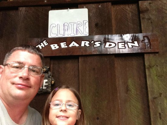Redwoods River Resort & Campground: The Clairebear Den