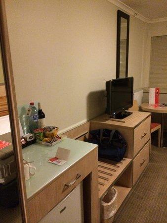 Travelodge Hotel Sydney Wynyard : 32インチテレビ
